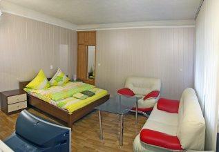 Апартаменты One Bedroom standart near Festyval'na Square