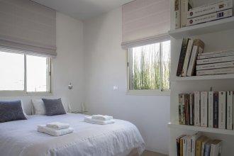 Апартаменты Design 2 Bdr Duplex Penthouse Rothschild #TL54