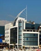 Отель Laza Hall