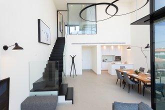 Апартаменты Unique Loft 1BR in White City by HolyGuest