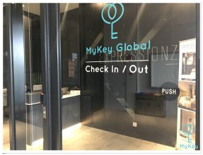 Апартаменты Expressionz Professional Suites by MyKey Global