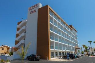 Отель Leonardo Crystal Cove Hotel & Spa