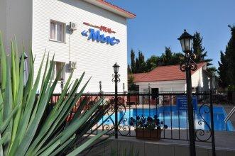 Отель Мыс