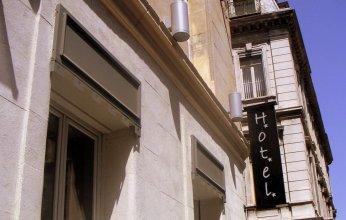 Отель Adonis Marseille Vieux Port
