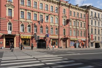 Меблированные комнаты Ринальди на Московском 18