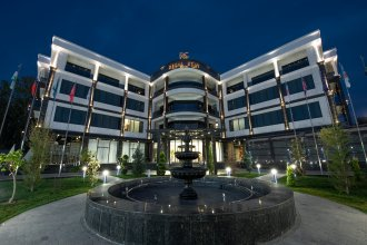 Отель Regal Stay