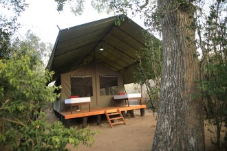 Topan Yala – Luxury Tented Safari