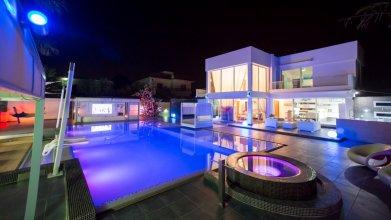 Вилла Oceanview Villa 011