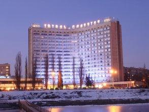 Отель Славутич