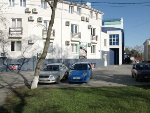 Jemchujina Na Krepostnoy