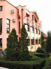 Отель Радужный