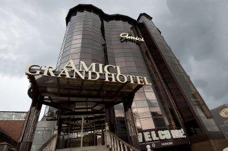 Отель Amici Grand