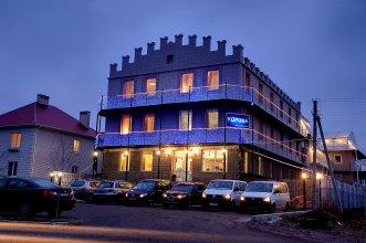 Отель Корона