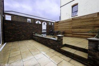 Platinum Apartment in West London 9979