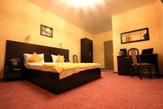 Hotel on Mokhovoy