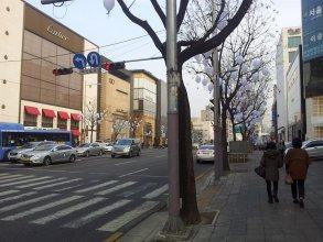 Human Starville Cheongdam
