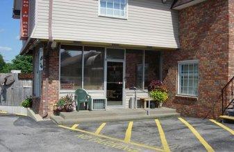 Hillbilly Inn Motel