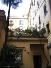 Romantic Vatican Rooms Guesthouse