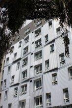 Carlton Residence