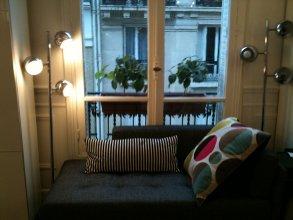 Eiffel Tower Bed & Breakfast Paris 16