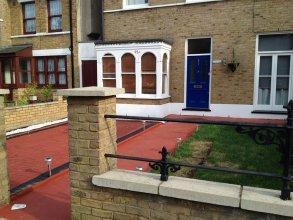 Cottage 3L London