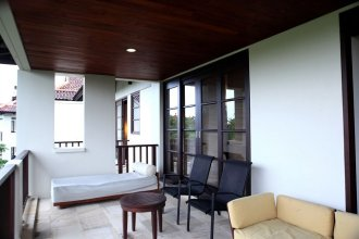Bali Wood Property At Emerald Tower Nusa Dua