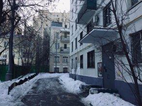 Four Squares Apartments Polyanka