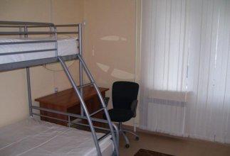100 Friends Hostel