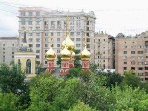 Serviced Smolenskaya Square
