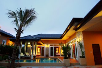 Rawai Private Villas Pools And Garden