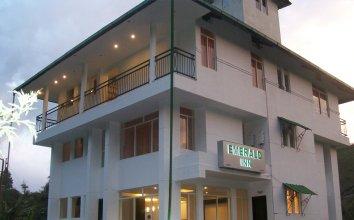 OYO 2817 Hotel Emerald Inn