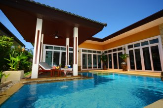 Rawai Private Villas Pools And Garden