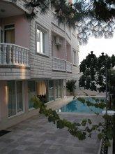Lidana Hotel