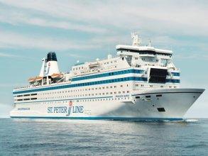 Norwegian Jade Cruise Ship