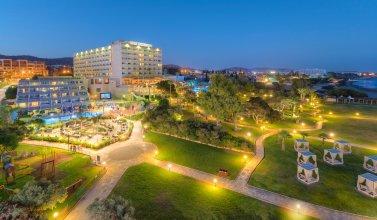 Отель St Raphael Resort & Marina
