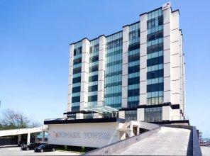 The Landmark Hotel By Amara Suite