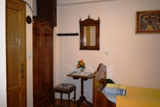 Captain's House in Dobrota