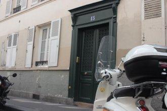 Montmartre Apartments Renoir