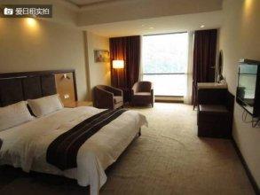 Longcheng Golf Hotel