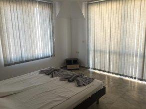 Cherno More Apartment