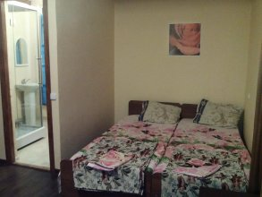 Roza Guest House