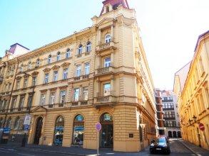 Klimentska 52 Old Town Apartments