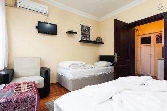 Shabby Apart Hotel Hostel