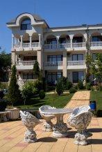 Отель Южный Берег