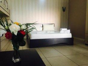 Godija Hotel & Suites