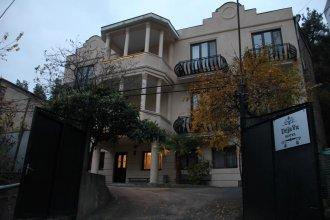 Отель At Home