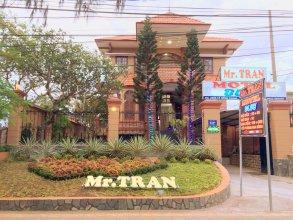 Mr Tran (Blue Motel)