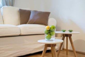 Beautiful Home - Garden Apartment