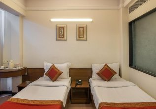 OYO Rooms Lal Kothi Shopping Center