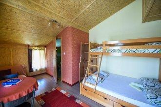 San Art Floating Hostel & Apartments